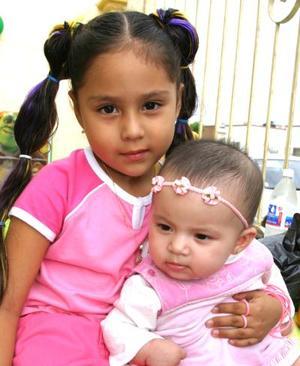 Danna Dibenhi Romero López y Hannia Sofía Romero González.