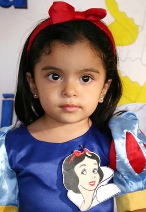 La pequeña Ana Camila Contreras Parrilla cumplió dos años de vida, y los celebró con una merienda que le ofrecieron sus papás.