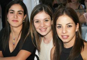 Gaby García, Normita Hernández y Lorena García.