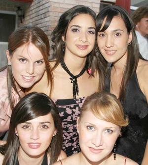 Lupita Estrada, Laura Pérez, Mónica Fernández, Mónica Siller y Paty Reyes.