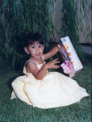 La pequeña María Fernanada Gutiérrez Castro, captada en su festejo con motivo de su segundo cumpleaños.
