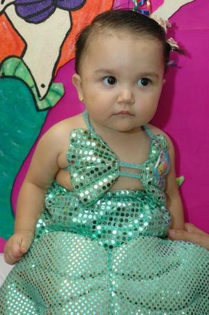 Luciana Estrada Negrete festejó primer cumpleñaos, con un divertido convivio infantil.
