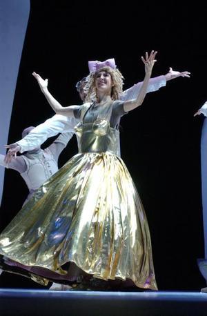 El Ballet de Montecarlo viene a demostrar que no hace falta una gran escenografía, ni un suntuoso vestuario, si la calidad de interpretación y ejecución cumplen con los estándares.