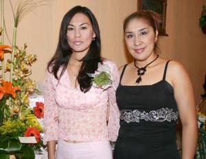 Sandra Rodríguez disfrutó de una despedida de soltera, que le ofrecio Angélica Hernández de Herrera.