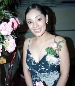<u><i> 03 de octubre de 2004</u></i><p>  Consuelo Ramos Álvarez captada en la despedida de soltera que le ofrecieron sus tías por su enlace nupcial
