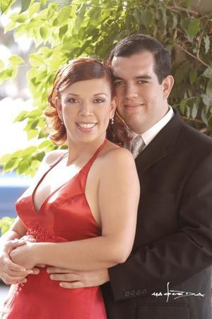 Sr. Mariano Montaña Álvarez y Srita. Jade Romero Lombard efectuaron su presentación religiosa en la parroquia de San Pablo Apóstol en  Axochiapan, Morelos y contrajeron matrimonio civil el 18 de septiembre de 2004.