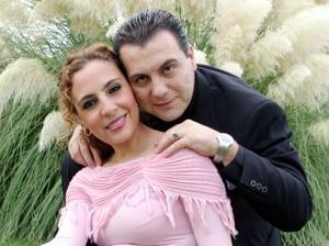 Ing. Mauricio Antonio Chibli Bechelani y Srita. Bertha Alicia Garza del  Valle efectuaron su presentación religiosa el 28 de septiembre de 2004
