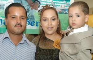 <u><i> 04 de octubre de 2004</u></i><p>  Johan Gerardo Dávila Reyna cumplió tres añlos de vida y sus papás, Gerardo Dávila Rodríguez y Rosa Elena Reyna de Dávila lo festejaron con una agradable fiesta