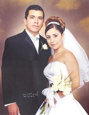 Fernando Mejía Palacios y Violeta de la Peña Espejo celebraron  su primer aniversario de feliz matrimonio
