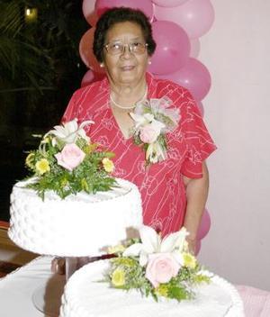 Sra. Micaela Vilal de García celebró su 80 aniversario de vida y su familia