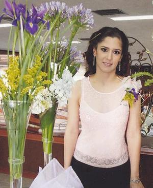 <u><i> 05 de octubre de 2004</u></i><p>   Lucía Ortega Hernández, en su despedida de soltera.