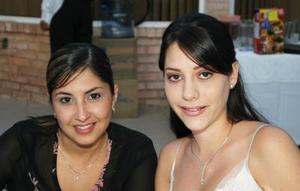 <u><i> 05 de octubre de 2004</u></i><p>  Mónica Garza y Carla Lozano