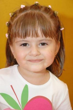 <u><i> 05 de octubre de 2004</u></i><p>  Catalina Gamboa Arroyo celebró su tercer cumpleaños, con un divertido convivio infantil.