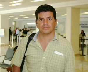 <u><i> 06 de octubre de 2004</u></i><p>  Raúl Ramírez viajó con destino a Morelia
