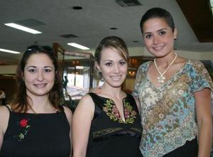 <u><i> 07 de octubre de 2004</u></i><p>  Marú Villarreal, Miriam Motola y Sofía Ortiz