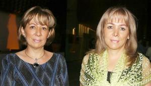<u><i> 08 de octubre de 2004</u></i><p>  Sandra y Gabriela Sologaystoa.