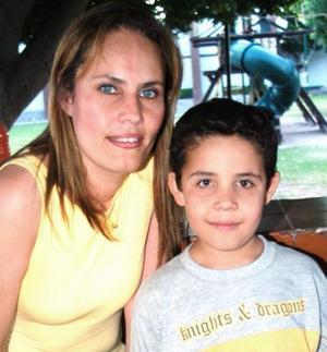 Jaime David Contreras López celebró su octavo cumpleñaos, con un divertido festejo que le ofreció su mamá Hilda López de Contreras.