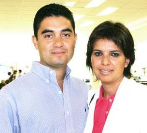 Arturo Álvarez y Cristina Rodríguez viajaron a Houston Texas.