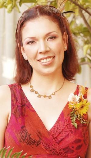 Jade Romero Lombart, captada en el festejo que le ofrecieron por su próximo enlace nupcial.
