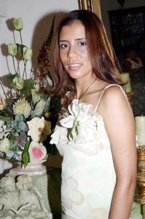 Blanca L. González Martínez disfrutó de una despedida de soltera, con motivo de su próxima boda con Hazael Maldonado Torres.