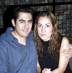 Adomar Ramírez M. y Azucena Hernández R., en pasado acontecimiento social.