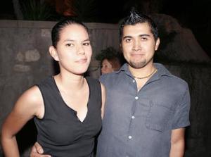 <u><i> 10 de octubre de 2004</u></i><p>  Ana Gabriela Rosales y Orlando Zamora
