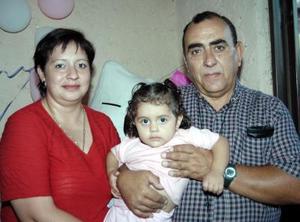 Valentina Amor Villar del Morale n la fiesta que le ofrecieron sus papás Francisco Villar Venegas y Valentina del Moral Moreno con motivo de su segundo año de vida
