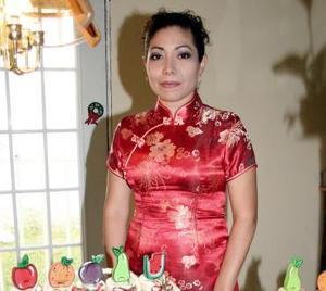 <u><i> 11 de octubre de 2004</u></i><p>  Liliana Luna García contraerá matrimonio con Homero Mears González.