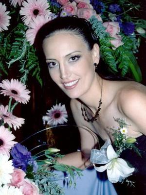 Alma Huguette de Alba Castilla, en su despedida de soltera.