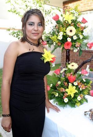 <u><i> 12 de octubre de 2004</u></i><p>  Liliana Elizabeth López Hidrogo, captada en  su despedida de soltera