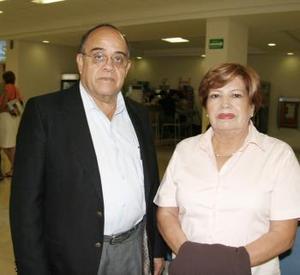 Alfonso Gómez y Lidia Montoya de Gómez viajaron a la Ciudad de México para antender asuntos de negocios