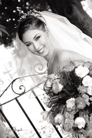 Lic. Ana Gabriela Martínez Contreras unió su vida en matrimonio a la de la Lic. Luis Alberto Álvarez Ramos. <p> <i>Estudio: Laura Grageda</i>