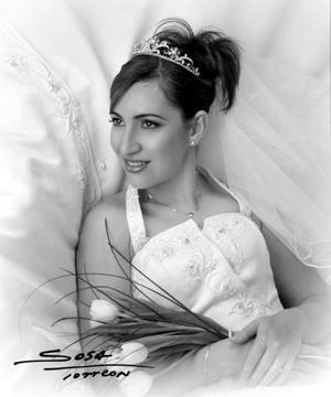 Srita. Beatriz Eugenia Villegas Flores el día de su enlace matrimonial con el Sr. Felipe de Jesús Ceniceros Herrera.   <p> <i>Estudio: Sosa</i>