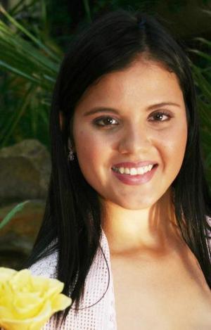Zurhia Barrientos Zorola contraerá matrimonio con Salvador González Quintero, el próximo 16 de octubre.