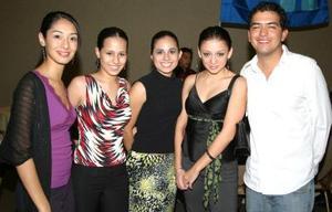 Karla Wong, Maribel y Mónica Ochoa, Marilú Garza y Miguel Cháirez.