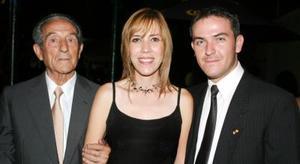 Don Alvaro Gutiérrez Fernández, Nidia Villarreal Sánchez y Manolo Gutiérrez González.