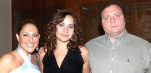 Gabriela Guajardo, Liliana A. de Cortina y Leonardo Nahle.