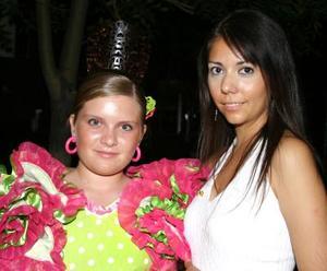 Nathaly Flores Serrano y Velia Rodríguez.