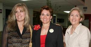 <u><i> 14 de octubre de 2004</u></i><p>  Rosa Madero, Mariato Aparicio de Haro y Leticia de Moye.