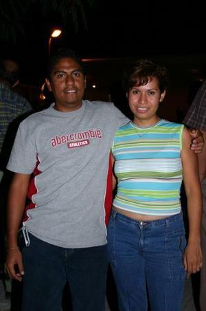 Guillermo Hernández y Nallely Rodríguez.