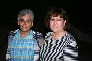 <u><i> 13 de octubre de 2004</u></i><p>  Carolina Iruzubieta y Teresa Sifuentes.