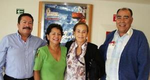 <u><i> 13 de octubre de 2004</u></i><p>  Elisa Zayas y Antonio González regresaron al DF., fueron despedidos por Paulino Alfonso y Laurdes Lujan.