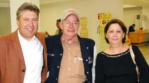 Raúl García y Jesús Cardona viajaron al DF y fueron despedidos por Dolores Moreno.
