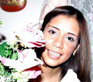 Blanca L. González Martínez, captada en la despedida de soltera que le ofrecieron recientemente.