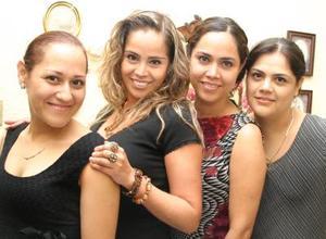 Maythe, Mary Carmen y Dulce María Mijares Villarreal.