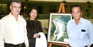 Irma Lozano de Lee, Luis Floriuk y Manuel Wong.