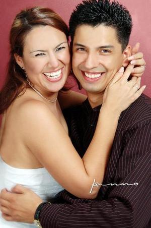 <u><i> 15 de octubre de 2004</u></i><p>  Gerardo Carrera Rodríguez y Liliana González Sánchez.