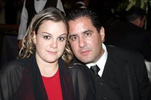 Gaby de Mojica y Luis Mojica.