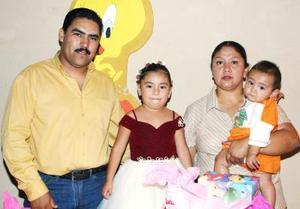 <u><i> 16 de octubre de 2004</u></i><p>  Darina Itzel Arriaga Sánchez cumpló cinco años y sus papás, Raymundo y Lorena Arriaga,la festejaron con agradable convivio.