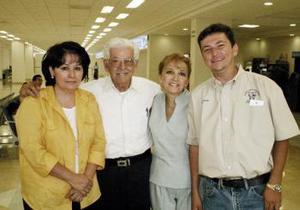 <u><i> 16 de octubre de 2004</u></i><p>  Gabriel, Rosa y dulce de la Garza y Eduardo Chávez viajaron a la Ciudad de México.